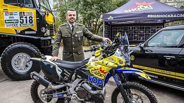 motocyklový závodník Lukáš Kvapil.