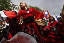 Průvod romského festivalu Khamoro v Praze.