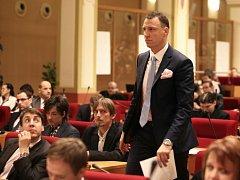 Jan Wolf při ustavujícím zasedání pražského zastupitelstva.