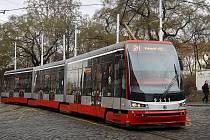 Tramvaj Forcity v centru Prahy.