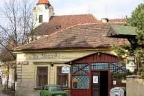 Slavná bubenečská restaurace stojí na stejném místě již od konce šestnáctého století a patří tak mezi desítku nejstarších hospod v Praze.