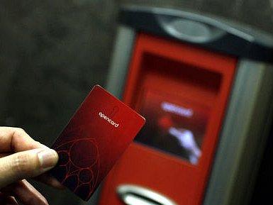 NEJEN  ROČNÍ JÍZDENKA. Rozsah používání opencard by se měl letos výrazně rozšířit. Přibýt by měly i validátory.