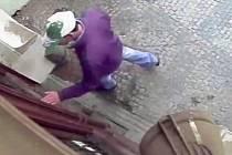 Kriminalisté dopadli 'bytaře' díky otiskům ucha, které nechal na místě činu.