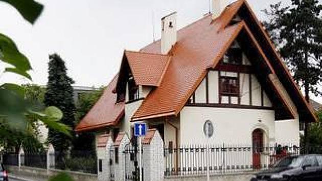 V pražských Strašnicích proběhlo znovuotevření Trmalovy vily.