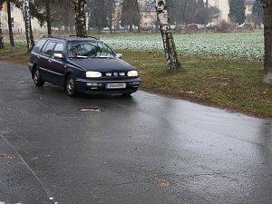 Ledovka na silnici. Ilustrační foto.