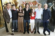 Zleva Mark Johnson, Skandar Keynes, Anna Popplewell, Ben Barnes, Georgie Henley, William Moseley, Andrew Adamson.