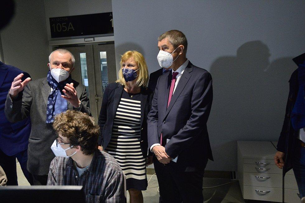 Národní očkovací centrum vzniklo v hale O2 universum. Na snímku je premiér Andrej Babiš (ANO).