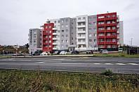 Zatím bez prodejny. Obyvatelé téměř tisícovky nových bytů projektu Panorama Kyje se zatím avizovaného supermarketu nedočkali.
