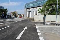 U stanice metra Nádraží Holešovice vzniklo 83 nových parkovacích míst.