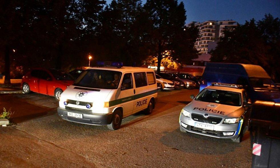 Ve Stodůlkách byli pobodáni dva lidé.