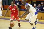 DEBAKL. Basketbalisté USK prohráli s Nymburkem o 61 bodů.