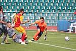 Fotbalisté Dukly si na Julisce v sobotu poradili s Chrudimí a stále vedou druholigovou tabulku.