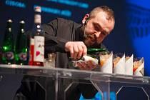 Profesionální barman Achim Šipl.