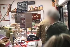 Policisté odhalili výrobu drog v pražském řeznictví.