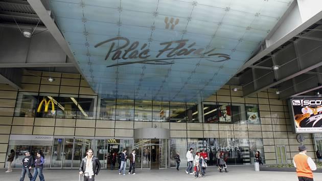 Obchodní centrum Flora.