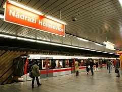 Trasa C, metro, stanice Nádraží Holešovice.