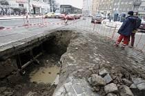 . ledna 2009 v ranních hodinách došlo k havárii vodovodního řadu v ulici Moskevská v Praze-Vršovicích. Voda podemlela tramvajové koleje a v důsledku toho byl přerušen provoz tramvají v obou směrech.