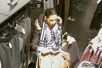 Krádež mobilního telefonu.