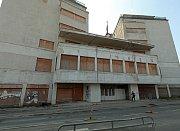 Palác Svět v pražské Libni a změny v jeho okolí.
