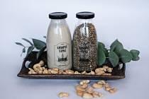 Konopné mléko vyrábějí dva Slováci. Martin a Daniela