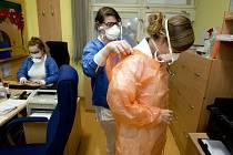 Snímek z infekční kliniky pražské Nemocnice Na Bulovce z 27. ledna 2020.