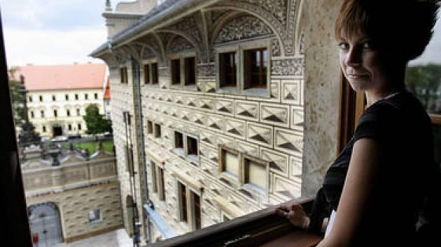 PŘED TÝDNEM ZAHRADY, teď budou zpřístupněny předevšín kostely, kláštery a paláce. (Na snímku Schwarzenberský palác.)