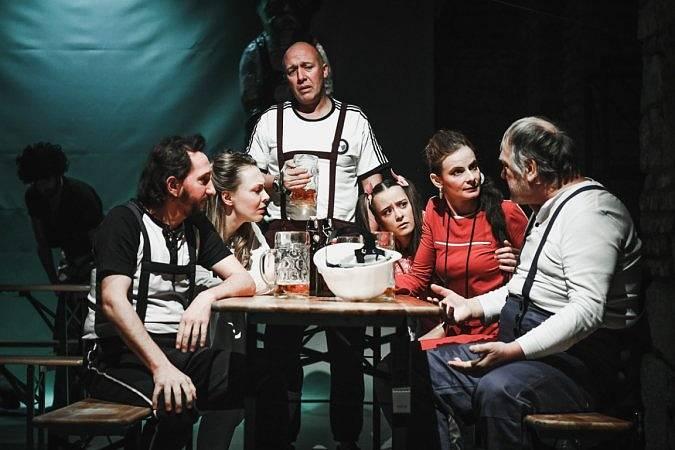 Švandovo divadlo na Smíchově v pátek večer uvádí hru Kočkožrout.