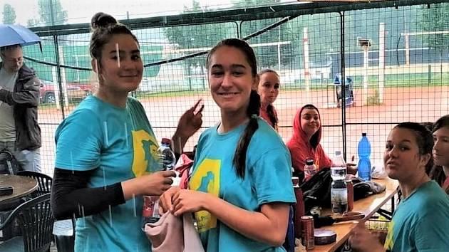 Sofie (vlevo) a Máša Telehazi.