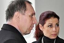 Kateřina Pancová a Petr Kott, kteří stojí před soudem v kauze bývalého středočeského hejtmana Davida Ratha, se o víkendu vzali.