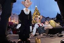 Den rekordů a kuriozit se konal ve čtvrtek 11. prosince 2014 na Staroměstském náměstí v Praze. Kmotry anglické verze České knihy rekordů byli Spejbl a Hurvínek.