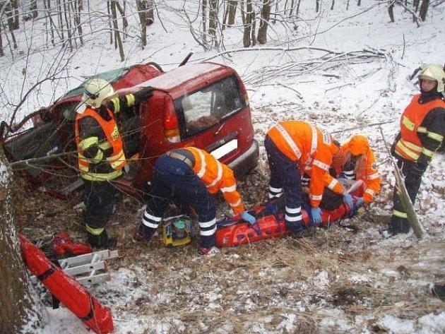 Hasiči zasahovali u několika nehod