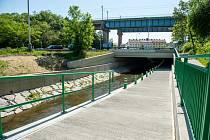 Nový podjezd na cyklostezce pod mostem v ulici Čuprova.