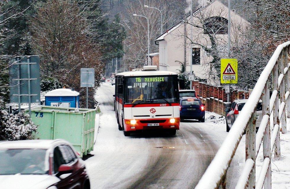 Dopravní podnik hl. m. Prahy (DPP) se v pátek 4. prosince 2020 symbolicky loučí s autobusy typu Karosa B 951.
