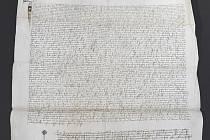 Národní knihovna představila 10. června 2019 v Praze vzácný notářský instrument z roku 1406, který získala v aukci a zaplatila za něj včetně aukčních poplatků 18,2 milionu korun.