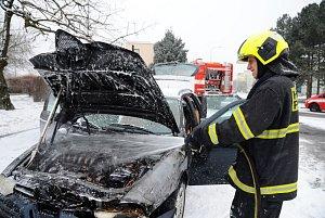 Požár automobilu vPšenčíkově ulici.