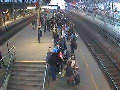 Kapsáře chytali na nádraží i cestující
