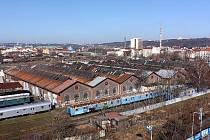 K demolici určené budovy dílen bývalé společnosti Státní dráhy v pražských Bubnech.