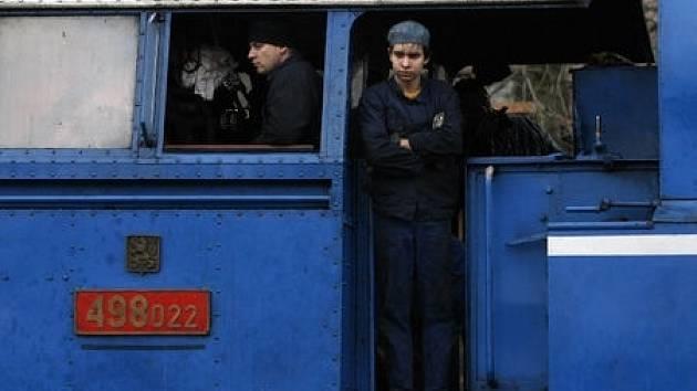 Z Prahy Braníka se na adventní slavnosti na Křivoklátě vydal parní vlak.