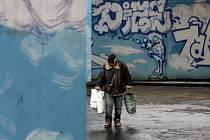 NA ULICI. Mrazy, které v těchto dnech panují v celé republice, pocítí zvláště lidé bez domova./Ilustrační foto