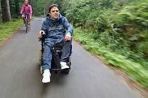 Cestovat se dá i na elektrickém vozíku. Výpravu Electric Eccentric pořádá Václav Uher již pátým rokem.