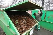 Co s ním? Spadané listí a další organický odpad bude v příštím roce zpracovávat také plánovaný bioreaktor.