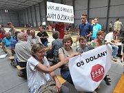 Plán na rozšíření letiště Vodochody se na popud ministerstva životního prostředí veřejně projednával 23. července v pražských Letňanech.