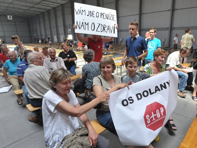 Plán na rozšíření letiště Vodochody se na popud ministerstva životního prostředí veřejně projednával 23.července vpražských Letňanech.