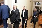 Kauza údajného vyvedení 19,9 milionu korun z petrochemické firmy Oleo Chemical u Městského soudu v Praze.