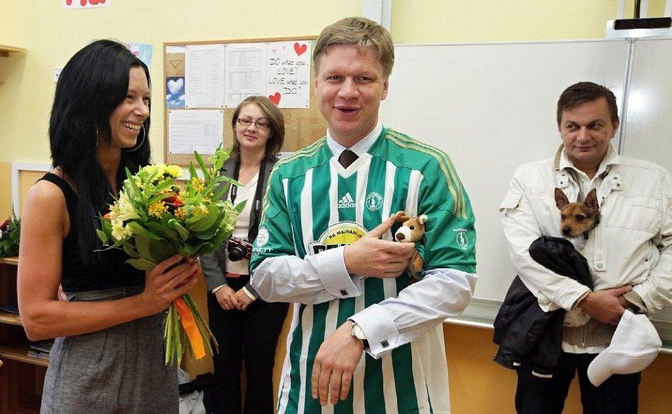 Pražský primátor Tomáš Hudeček navštívil v rámci zahájení školního roku  základní školu Botičská na Praze 2 6e17c8b67c1