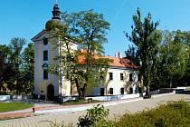 Zámek Ctěnice. Ilustrační foto.