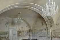 Největší odhalená freska v pražském Klementinu pochází z 18. století.