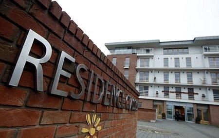 V luxusním domově důchodců Residence Classis v Průhonicích se platí měsíční nájem od 35 do 100 tisíc korun.