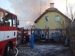 Požár v Mirošovicích.