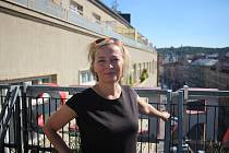 Kateřina založila firmu společně s manželem, se kterým se ráda věnuje létání. Mimo to se Kateřina zajímá o současné umění a své znalosti ze studií kulturní antropologie se snaží promítat i do své práce. Její rozmanitá profesní dráha dokazuje, jak jsou ces